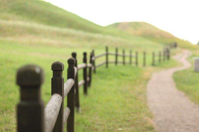 Wood Fences Surveying St Louis
